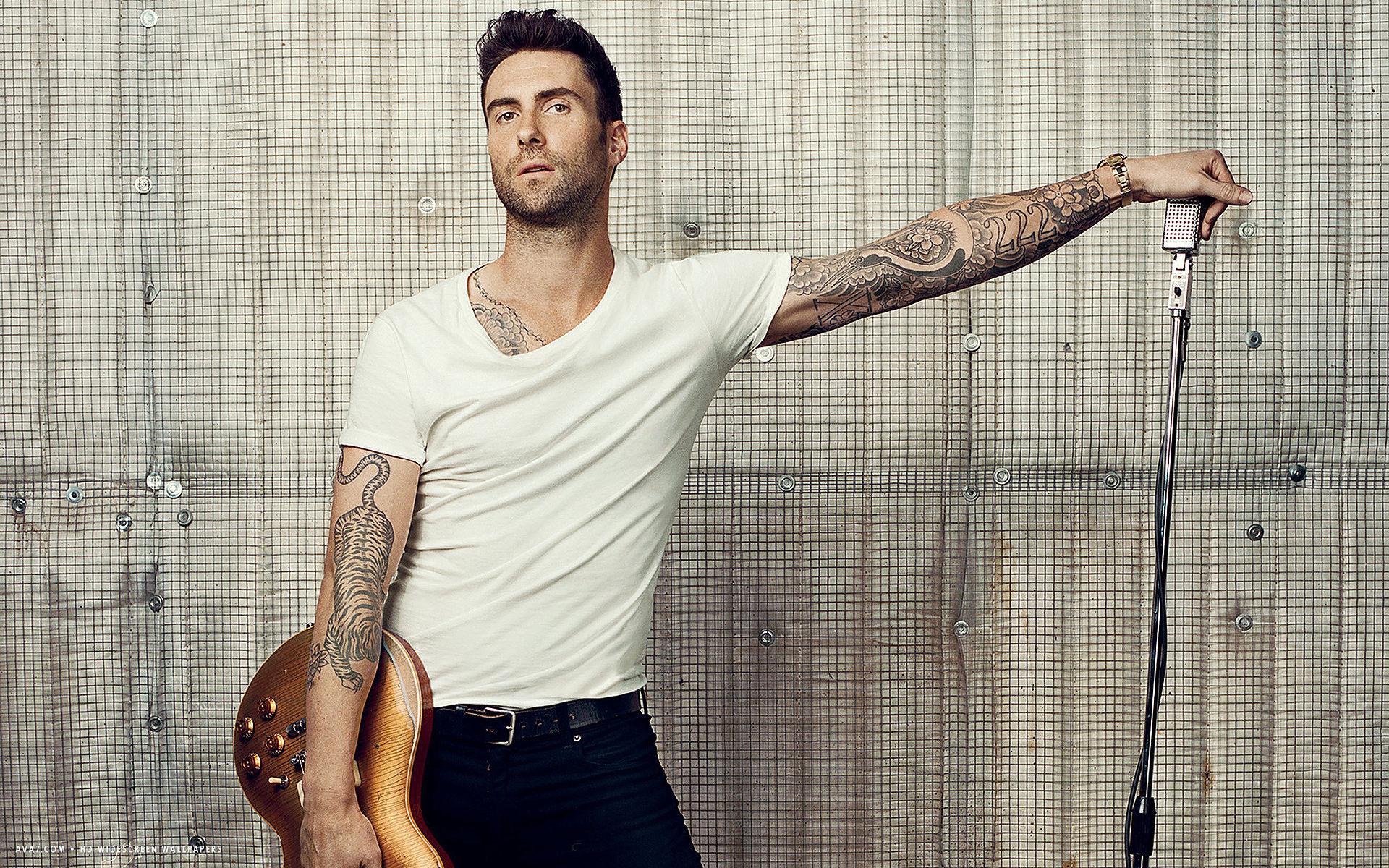 Adam-Levine-Singer